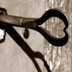 """<span style=""""color: #8a2579;"""">La asertividad, la llave que nos abre puertas</span>"""